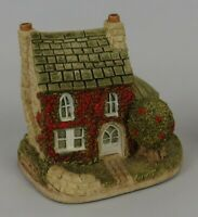 "Lilliput Lane ""Holly Cottage"" Figurine * Vintage 1984 * 3.5"" tall * Excellent!"