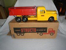 1950s PRESSED STEEL STRUCTO UNIQUE FLAT-SPRING DEVICE DUMP TRUCK 20 1/2 W/BOX