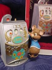 HALLMARK Jackpot Jingle Mouse pulls CASINO SLOT MACHINE CHRISTMAS ORNAMENT 1996