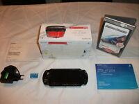SONY PSP Slim & Lite in OVP, 1Spiel, 256MB Memory Stick