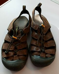 Keen Men's 9.5 Newport H2 Water Sport Trail Brown Sandals Shoes Bungee
