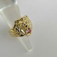Außergewöhnlicher Ring, Echtgold, Motiv Löwe mit einem Rubin, Größe 52
