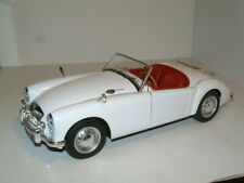 1/18 1961 MG MGA 1600 MK 2 ROADSTER IN WHITE WITH RED INTERIOR