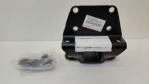 LEXUS OEM FACTORY TOWING ATTACHMENT WITH BOLTS 2003 GX470