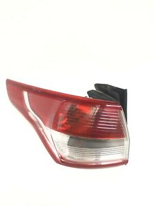 2013 2014 2015 FORD ESCAPE PASSENGER SIDE TAILLIGHT CHIPPED