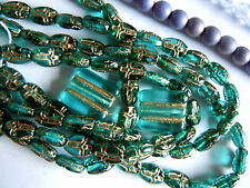Neue Emerald Green goldgeprägte Cross Beads/Kreuz-Perlen -8x6mm- 25Stk.