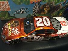 1:24 ACTION #20 Home Depot Madagascar / Tony Stewart / '05 Chevy Monte Carlo