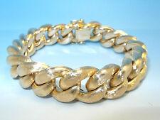Armbänder aus Gelbgold
