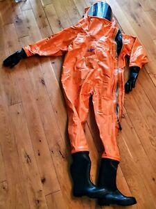 CSA 710 Dräger TeamMaster Chemikalienschutzanzug in Gr 1/43 (Scheibe gebrochen)