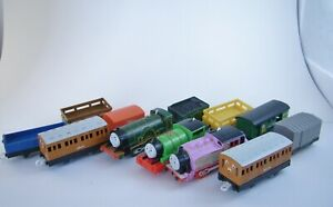 Thomas the Train Motorized Trackmaster Engines Tenders & Cars
