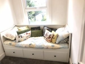 Ikea Hemnes White Day Bed daybed with 3 drawers & 1 mattress Never Slept On