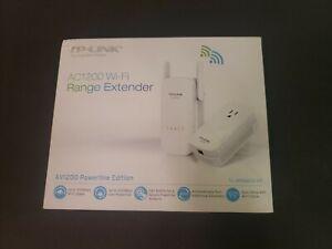 NEW TP-Link TL-WPA8630 KIT AV1200 Wi-Fi Range Extender Powerline Edition1200Mbps