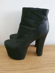 Womens Platform Boots Size 5 **READ DESCRIPTION **