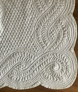 Huge 40's Bride's Quilt with Obsessive Expert Quilting-NR