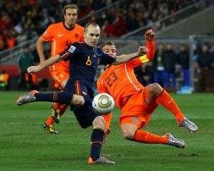 ANDRES INIESTA 8X10 PHOTO SPAIN SOCCER PICTURE
