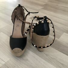 Vanessa Wu Black Wedges With Studs 6/40