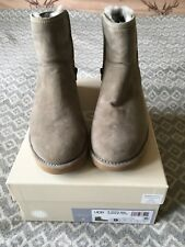 UGG Abree Short Boots - Grey Size 7 (fits a 6) BNWT