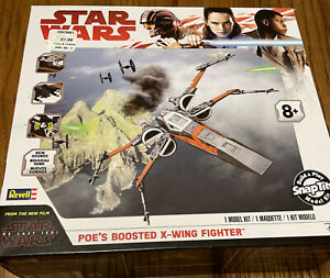 STAR WARS : Poe's Boosted X-Wing Fighter SnapTite Build & Play Model Kit Disney
