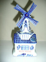 """Holland Delft's Blue Porcelain Musical Windmill hand painted 7"""" tall"""