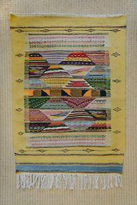 Stunning small MOROCCAN RUG - Handmade Kilim - Vintage Morocco Carpet