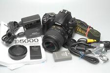 Nikon D5000 mit AF-S 18-55mm VR