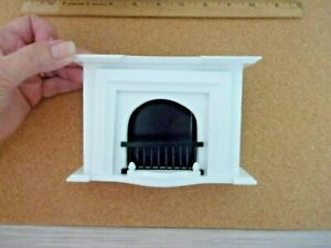 LOVELY WHITE  FIREPLACE - - DOLL HOUSE MINIATURE