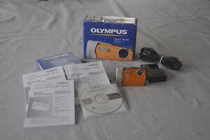 Olympus Stylus 790SW  7.1 MP Digital Camera, Orange
