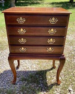 Vtg Mahogany Queen Anne Silverware flatware Silver Chest cabinet box drawers