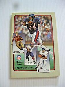 1987 CHICAGO BEARS FOOTBALL GUIDE WALTER PAYTON GRANGE NAGURSKI SAYERS F/COVER