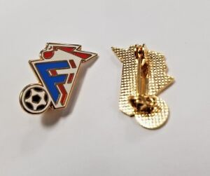 France National Football Team With Ball Collectors Enamel Pin Badge NEW