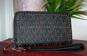 Michael Kors Black Wristlet Large Multifunction Zip Around Wallet Phone Case new
