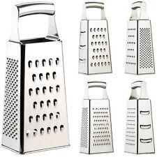 Küchenreibe: Hochwertige Vierkantreibe aus Edelstahl mit extra scharfen Reiben