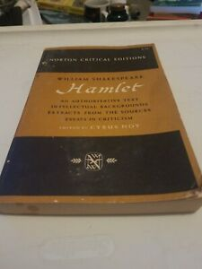 Hamlet (Norton Critical Editions) by William Shakespeare [Paperback]
