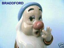 Lladro 7539 Disney Collection * Sleepy Dwarf * Mint*