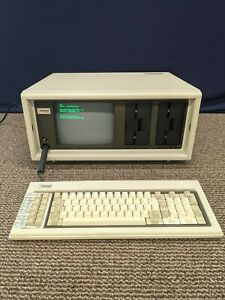 Vintage Compaq Portable Computer Briefcase 1982 1980s Keyboard Turns On