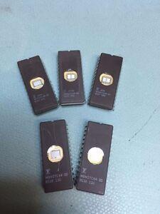 5 x 64K 8KX8  UV-EPROM 27C64, MBM27C64-30 M2764, M27C512 Commodore 64 C64