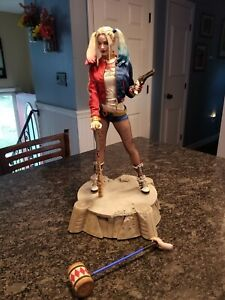 Sideshow Collectibles Harley Quinn Suicide Squad Premium Format Statue Exclusive
