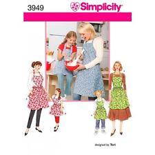 SIMPLICITY COUTURE MOTIF POUR ENFANT ET FEMMES' TABLIERS 3949