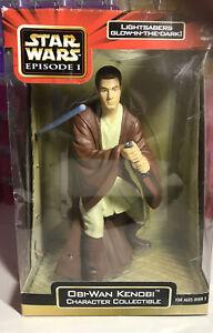 Star Wars Episode 1 - Obi-Wan Kenobi Mega-Collectible Glow In Dark Lightsaber