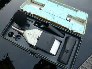 Bruel & Kjaer 2206 sound level meter - 4230 calibrator kit