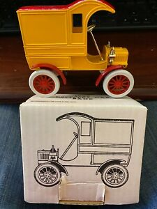 Ertl 1905 Ford Delivery Car Coin Bank Yellow Rare Mint