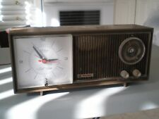 Vintage Sears tabletop analog clock radio (AM / FM) works but sold for repair
