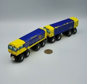 Melissa & Doug Wooden Train Power Engine Lot x2 Works w/ Thomas Railway, BRIO