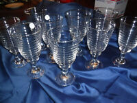 LIBBEY BEEHIVE  DRINKING GLASSES  SET OF 9   LOOKS NEW