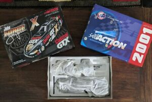 John Force Castrol GTX 10X Champion 2001 Mustang Funny Car 1:24-Scale