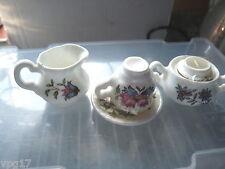 Miniatura Tè Set DOLL HOUSE? belle BONE CHINA ENGLAND TAZZA TEIERA CARAFFA LATTE