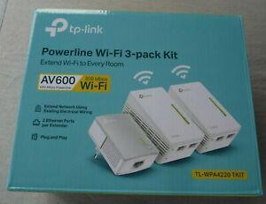 TP-Link TL-WPA4220 TKIT 3er Kit AV600 Powerline WLAN WiFi 300Mbps 2xLAN Adapter