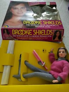 Brooke Shields - The World's Most Glamorous Teenage Doll  8833 incomplete. Open
