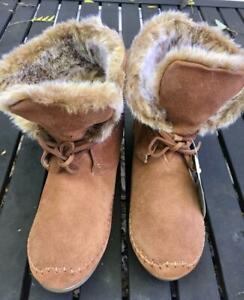 NWT Toms Zahara Chestnut Brown Suede Leather Ankle Moccasin Boots 12M (10006229)