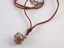 Collier Suédine Marron Boule Cage Ciselée Bronze Perle Rouge